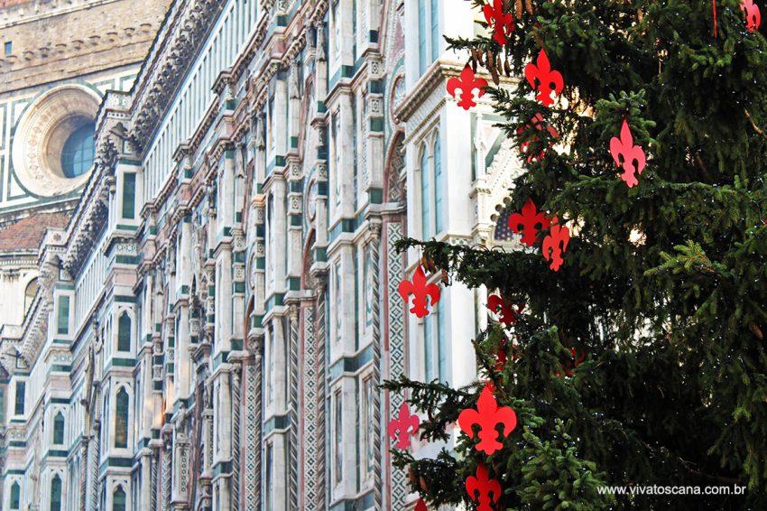 Árvore de Natal na Piazza Duomo di Firenze