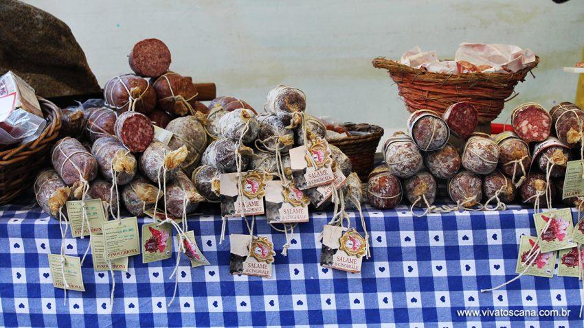 salames típicos toscanos