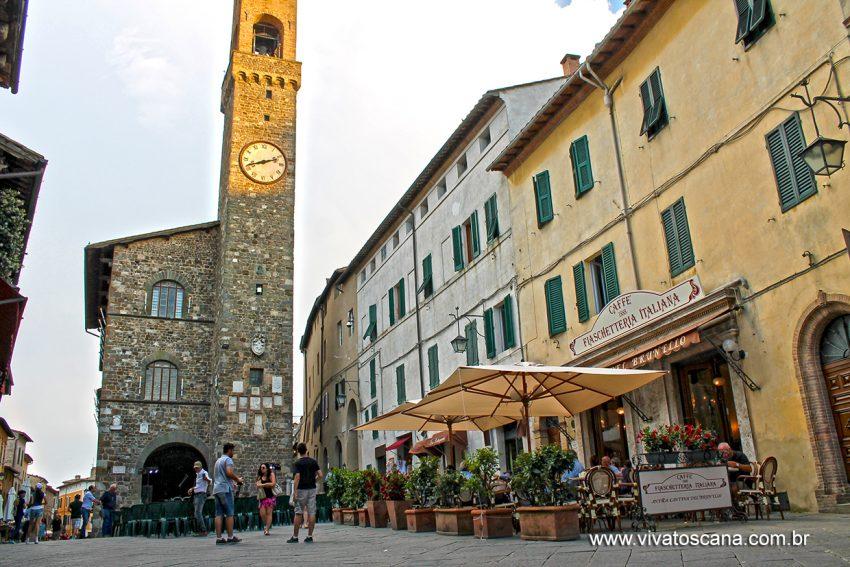 Piazza dl Popolo e Palazzo del Priore